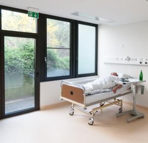 Patientenzimmer-Bett